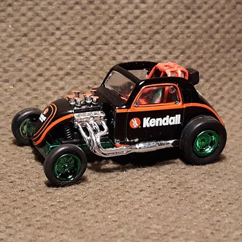 Greenlight Collectibles Running on Empty Series Top Fuel Altered Kendall Motor Oil 1/64 Scale - Model Cars