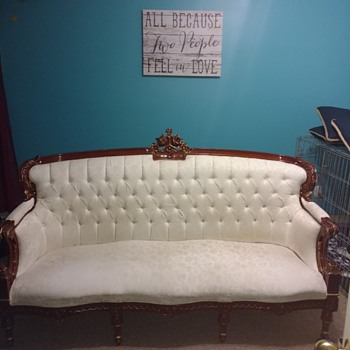 Help identify my beautiful sofa!