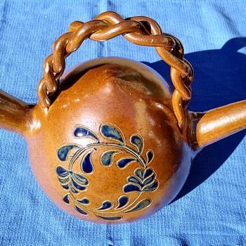 Gargoulette or Botijo - Pottery