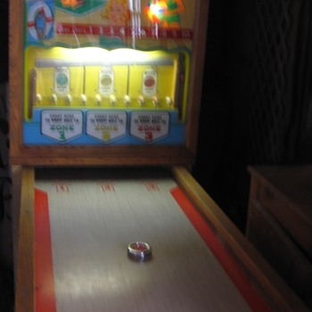 1959 Chicago Coin Bull's Eye Drop Ball Game - Coin Operated