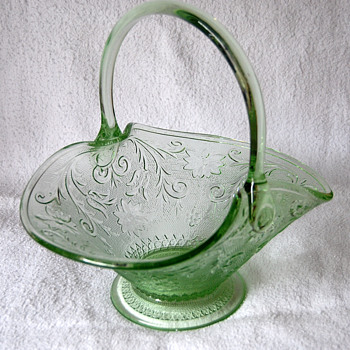 Indiana Glass Manf -- Tiara Seller -- Bridal or Fruit Basket by Darell Templeton - Glassware