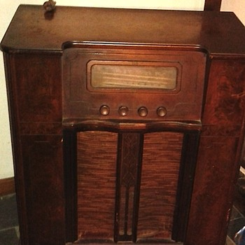 Home built?  50 years or more old.  SW etc - Radios