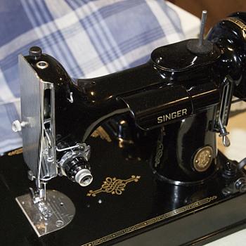 Vintage sewing machine - Sewing