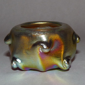 L.C. Tiffany Favrile Pigtail Salt. - Art Glass
