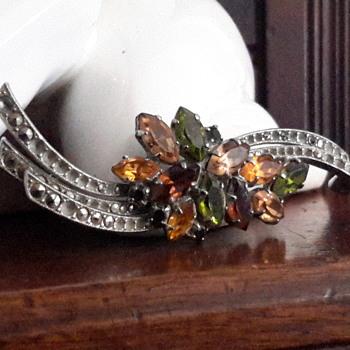 Vintage 1940s Austria paste rhinestone&marcasite brooch - Costume Jewelry