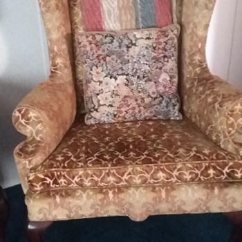 Similar to Queen Anne Antique Chair