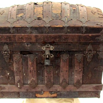 1880-90's Heavy Trimmed Leather Covered Saratoga / Brides Trunk  - Furniture