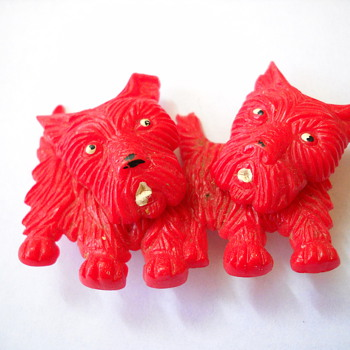 50's Movable Heads Plastic Scotty Dog Brooch