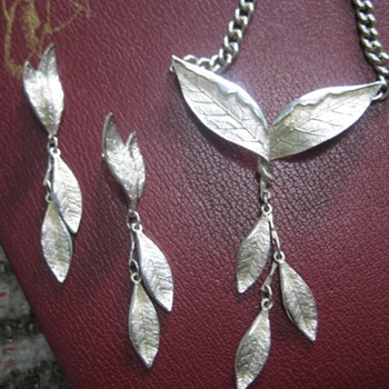 Leaves in Silver Necklace and Earrings - Fine Jewelry