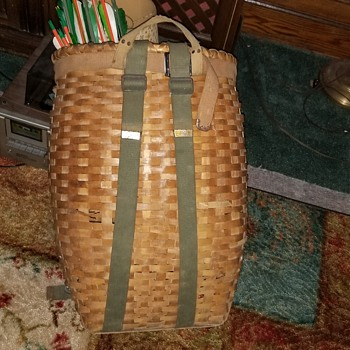 Vintage backpack basket  - Furniture