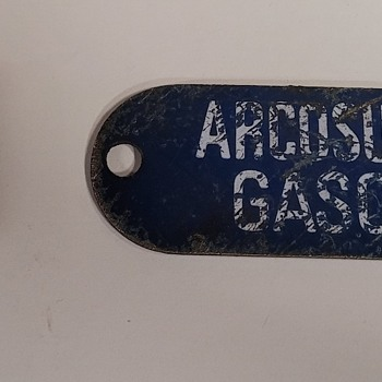 ARCO Metal Sign and Tape Measure - Signs