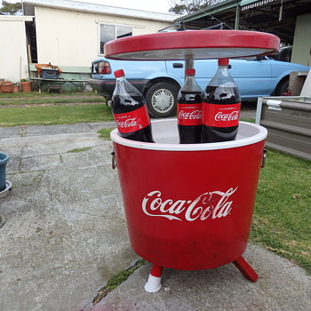 Coca Cola esky cooler picnic table. - Coca-Cola