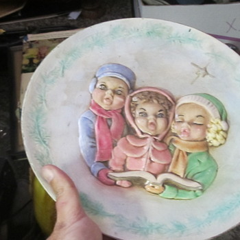 Holland Mold 3 girls plate signed Betty Goodwin  - Pottery