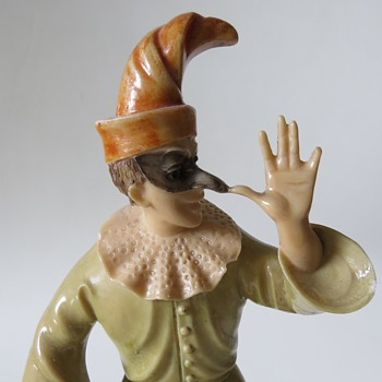 Punch or Jester figurine on alabaster base found at a charity shop - Figurines