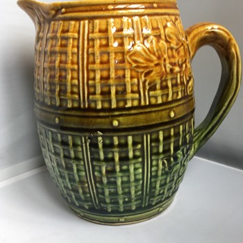 Antique English majolica  - Pottery