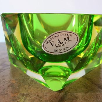 VAM  - Art Glass