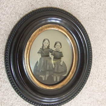 Thermoplastic wall frame with ambrotype of two girls - Photographs