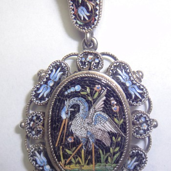 Victorian Beautiful, very old Silver Gilt (Vermeil) Micro Mosaic Crane Pendant - Fine Jewelry