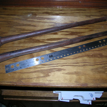 Antique Knobkerries - African throwing clubs - Military and Wartime