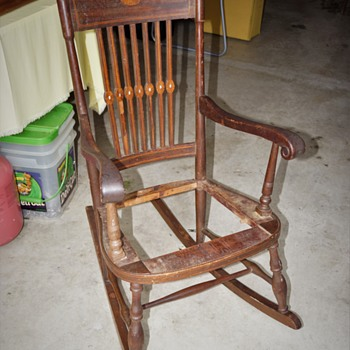 Antique Rocking Chair Unknown Style Or Mfg. Any Ideals ?