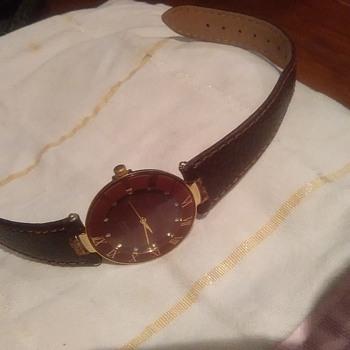 Help identifying a cartier watch!