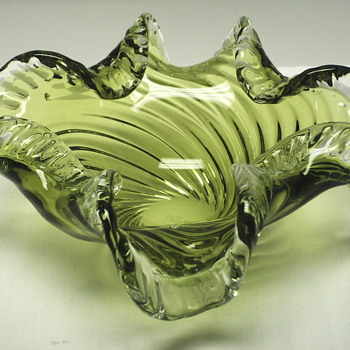 "Swirly Green Glass Bowl""Chalet,Canada""Mid XX Century - Art Glass"