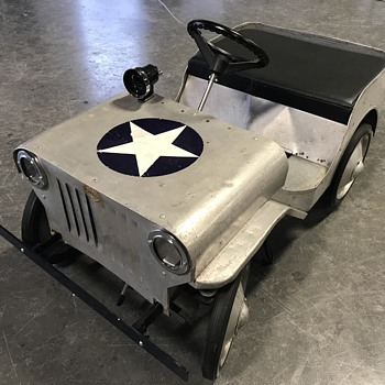 1940's Jeep pedal car made by the Western company  - Model Cars