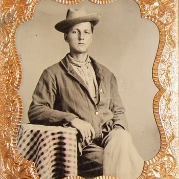 Union soldier in a sack coat - Photographs