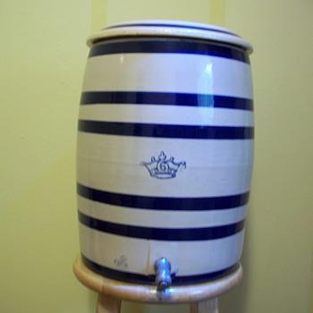 Roseville 6 Gallon  Water Cooler