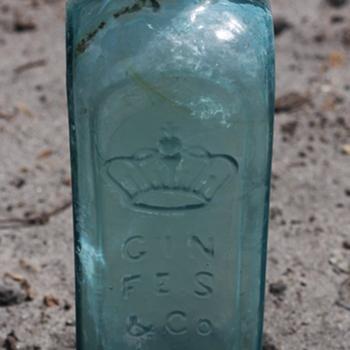 ~~~Old Gin Bottle~~~ - Bottles