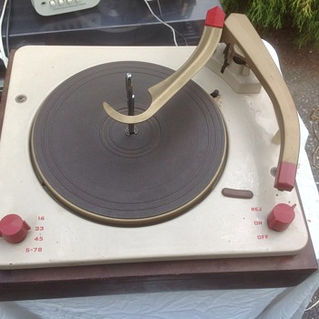old stereo turntable  - Electronics