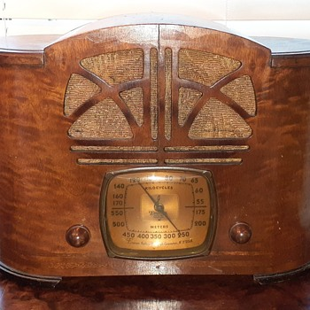 Need Model Number of this Emerson Radio - Radios