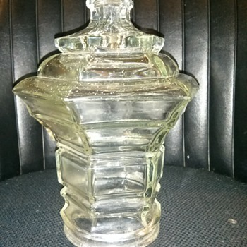 UNUSUAL GLASS HANGING OR LAMP POST SHADE