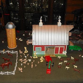 Marx Farm Playset #6050 Circa 1965 - Toys