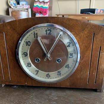 Mantel Clock - Clocks