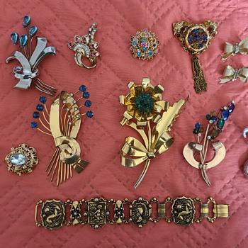 Coro - Costume Jewelry