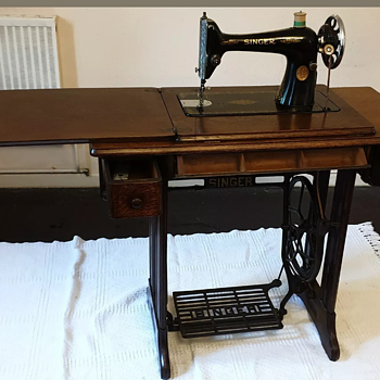1937 Singer Treadle Machine - Sewing