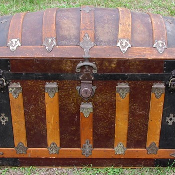 "34"" Antique Barrel top Trunk Original Condition - Furniture"