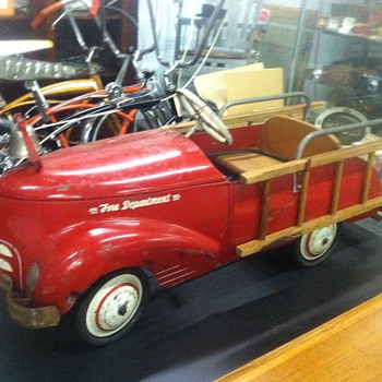 Old Toy Pedal Car - Model Cars