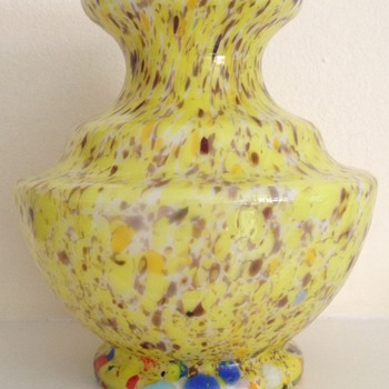 Cased bottom up spatter - yellow and oxblood - Art Glass
