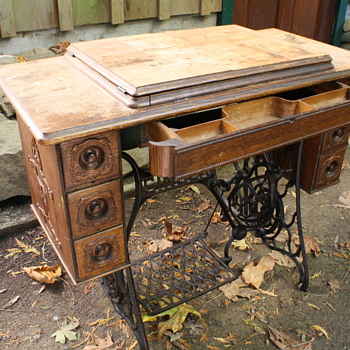 Vintage And Antique Singer Sewing Machines Collectors Weekly Amazing Pedal Sewing Machine Table