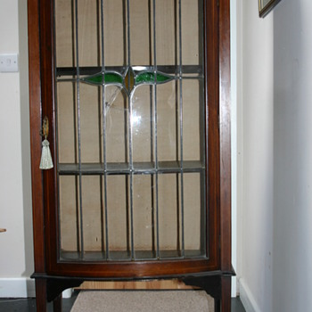 Display cabinet, Edwardian circa 1895