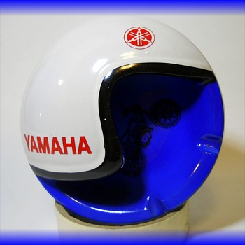 Ashtray - YAMAHA  MOTORCYCLE - HELMET ASHTRAY  - Advertising