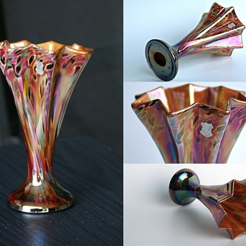 Kralik Millefiori Iridized star/fan vase - original Iris Decor label - Art Glass