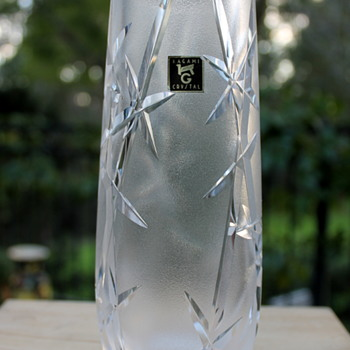 Cut crystal vase by Kagami Japan - Art Glass