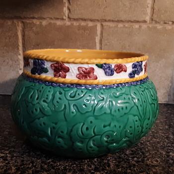 Fitz Floyd bowl  - Pottery