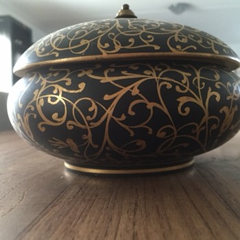 Edition Kaza pot? Would love to know more.... - Pottery