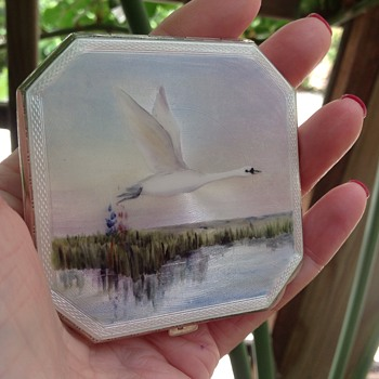 Vintage Enamelled silver compact