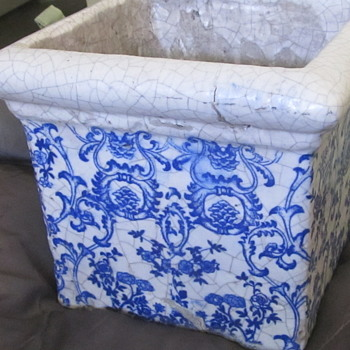 Old blue and white planter - Pottery