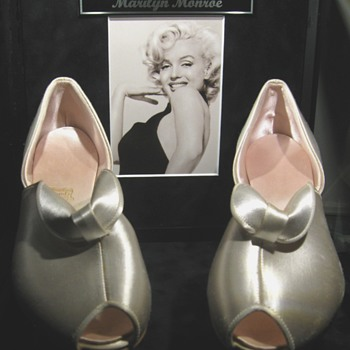 Marilyn Monroe  .  .  .  'Vintage Slippers'